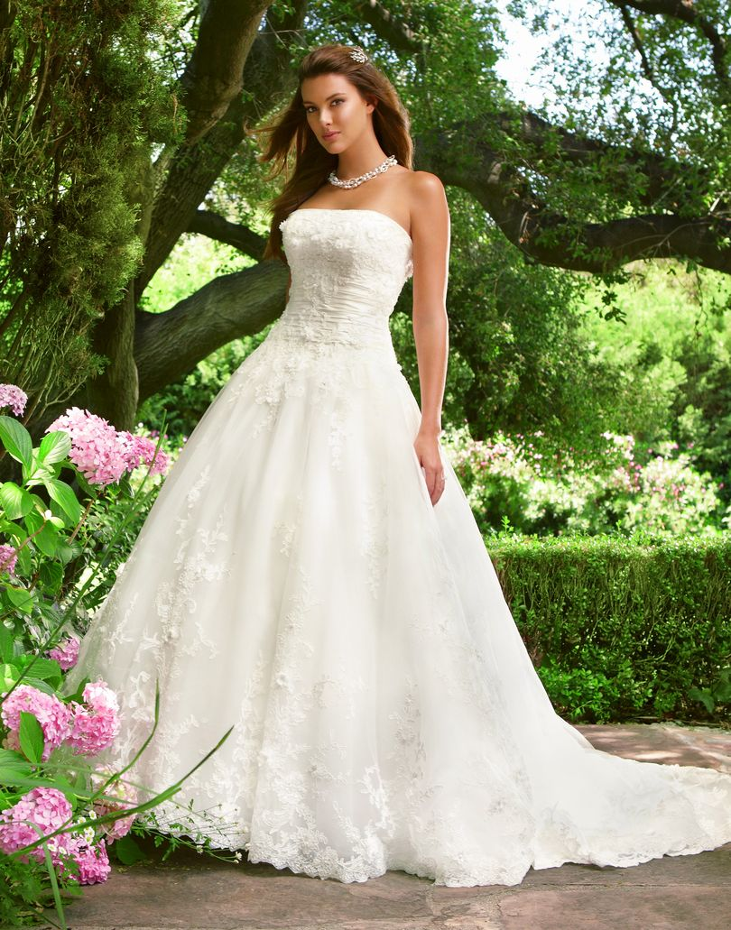 Style 2017 Casablanca Bridal