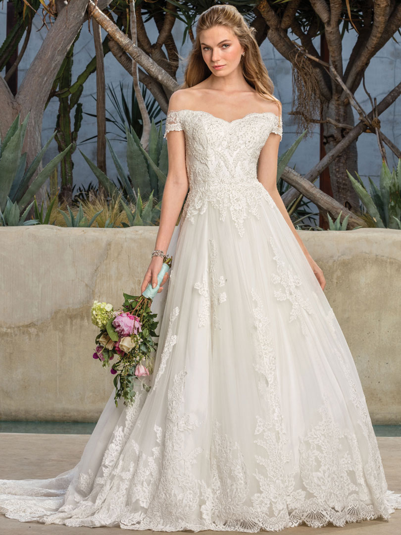 Off-the-Shoulder Lace Gown for the Princess Bride | Casablanca ...