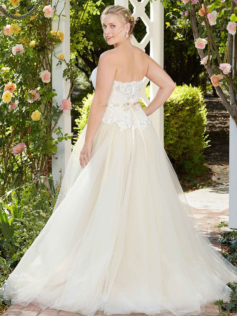 Top Plus Size Wedding Dresses under $1,500 by Casablanca Bridal ...